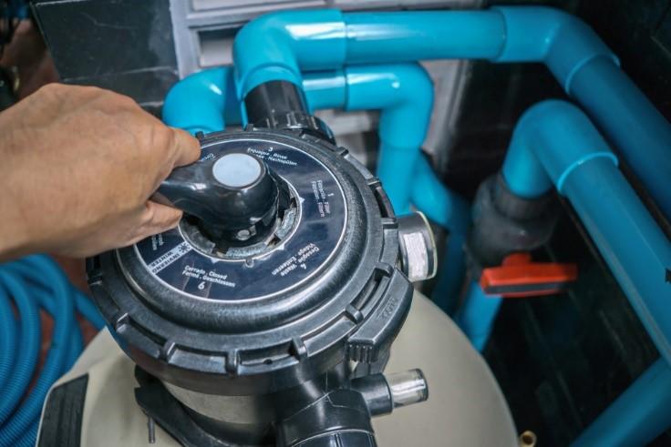 fixing pool pump