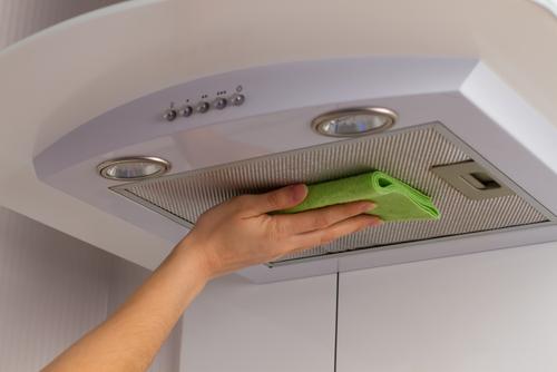 Cleaning oven range hood