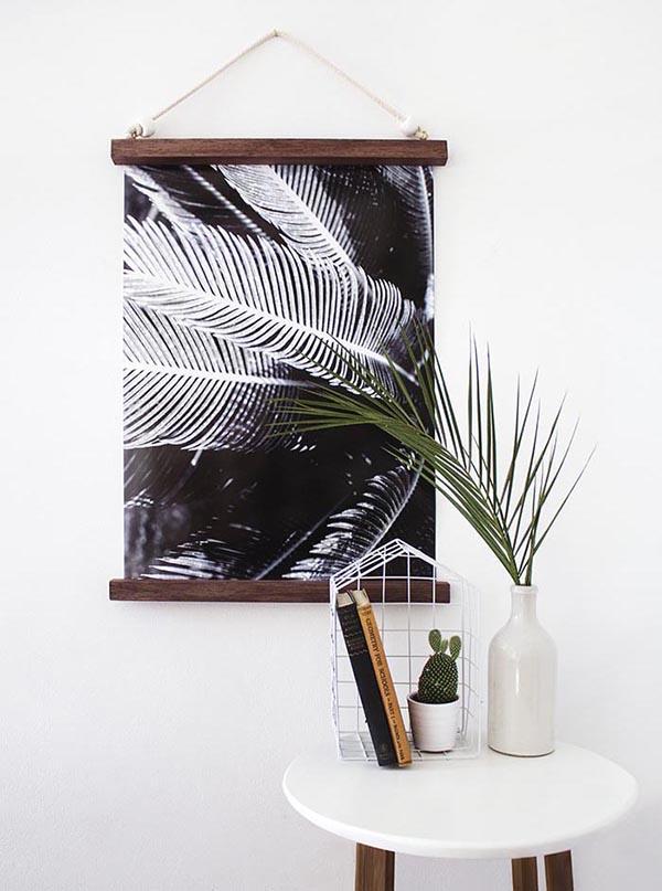 Hanging half frame