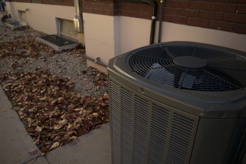 Learn The Difference Between Having Insurance For Your Ac Unit And The Coverage You Get Under A Home Warranty