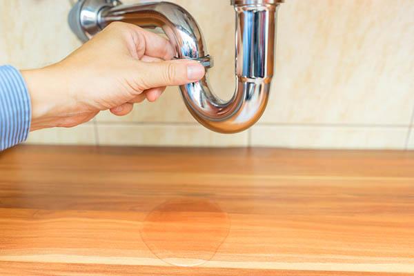 How to detect toilet leak