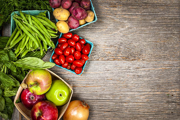 August In-Season Produce: Green Beans, Potatoes, tomatoes, Apples, and onions